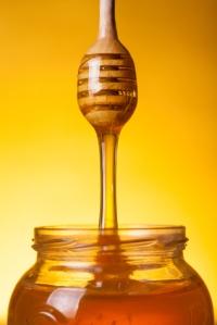 Flowing golden honey